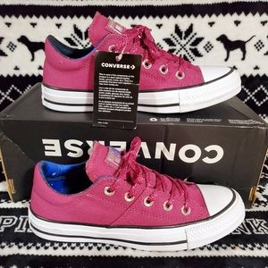 Converse Womens Sneakers Size 6 New With Tags